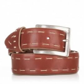 Cinturón ensamblado con cosidos piel cuero